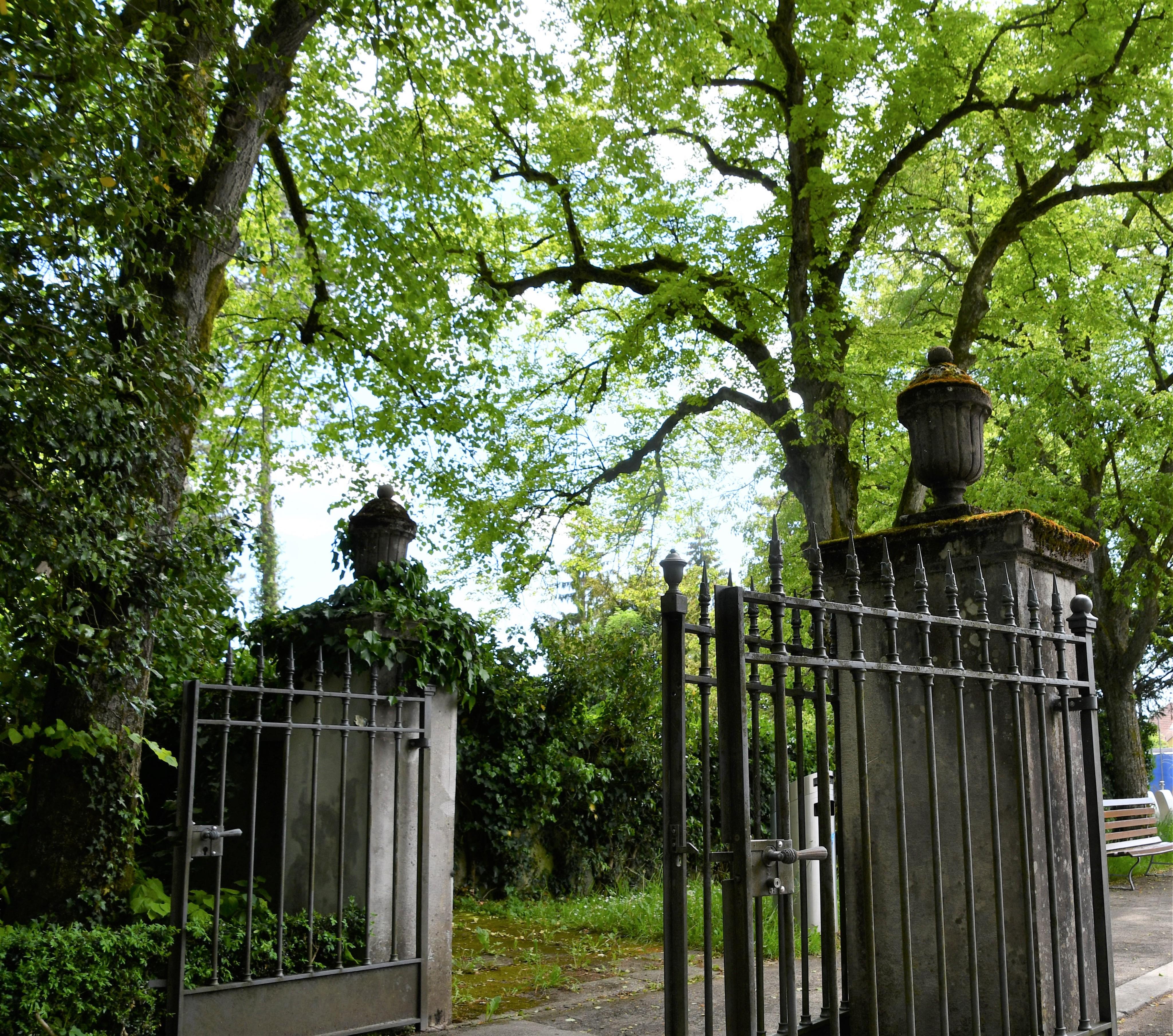 cemetery-entrance-30.05.2019