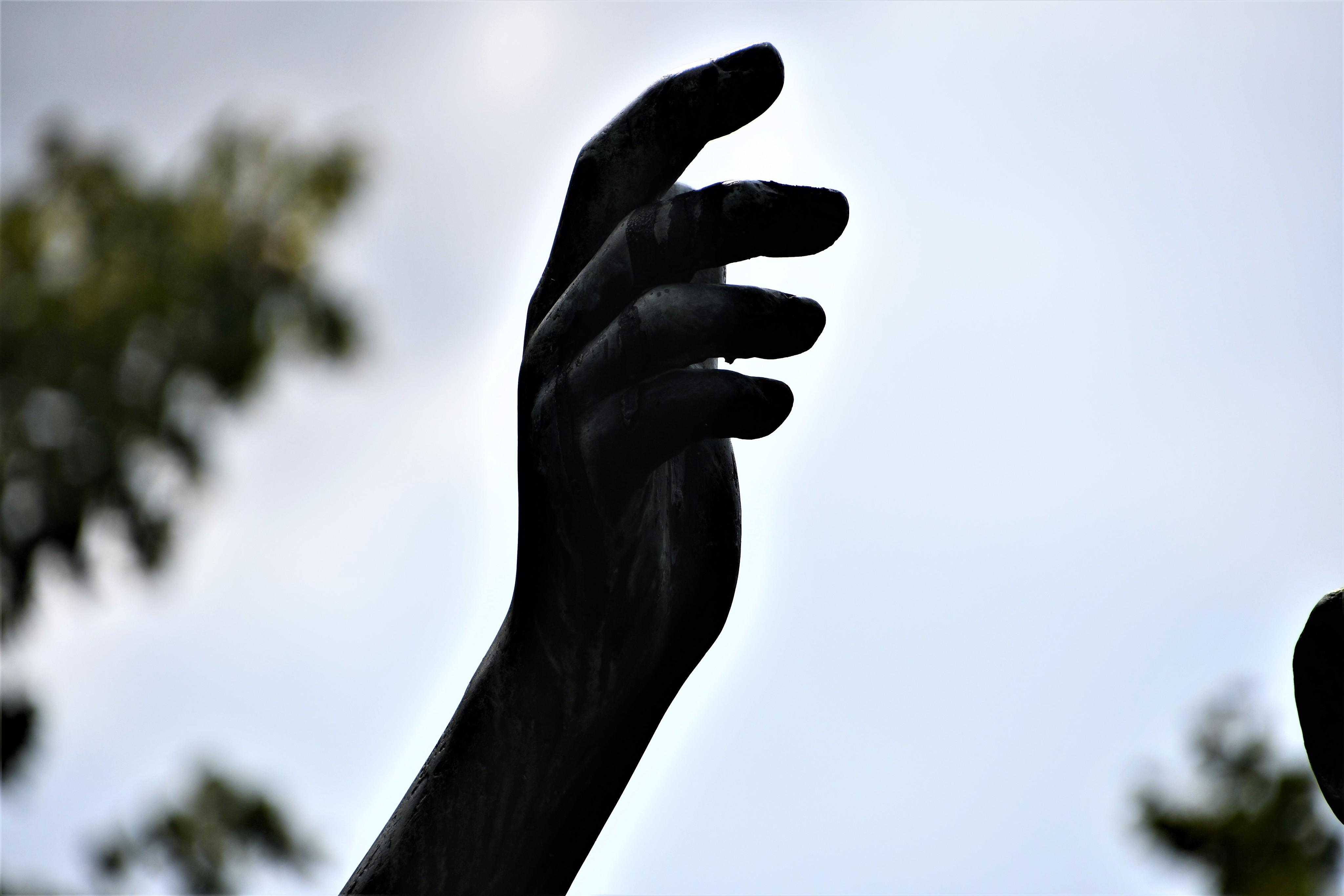 kantonsschule-statue-13.07-1