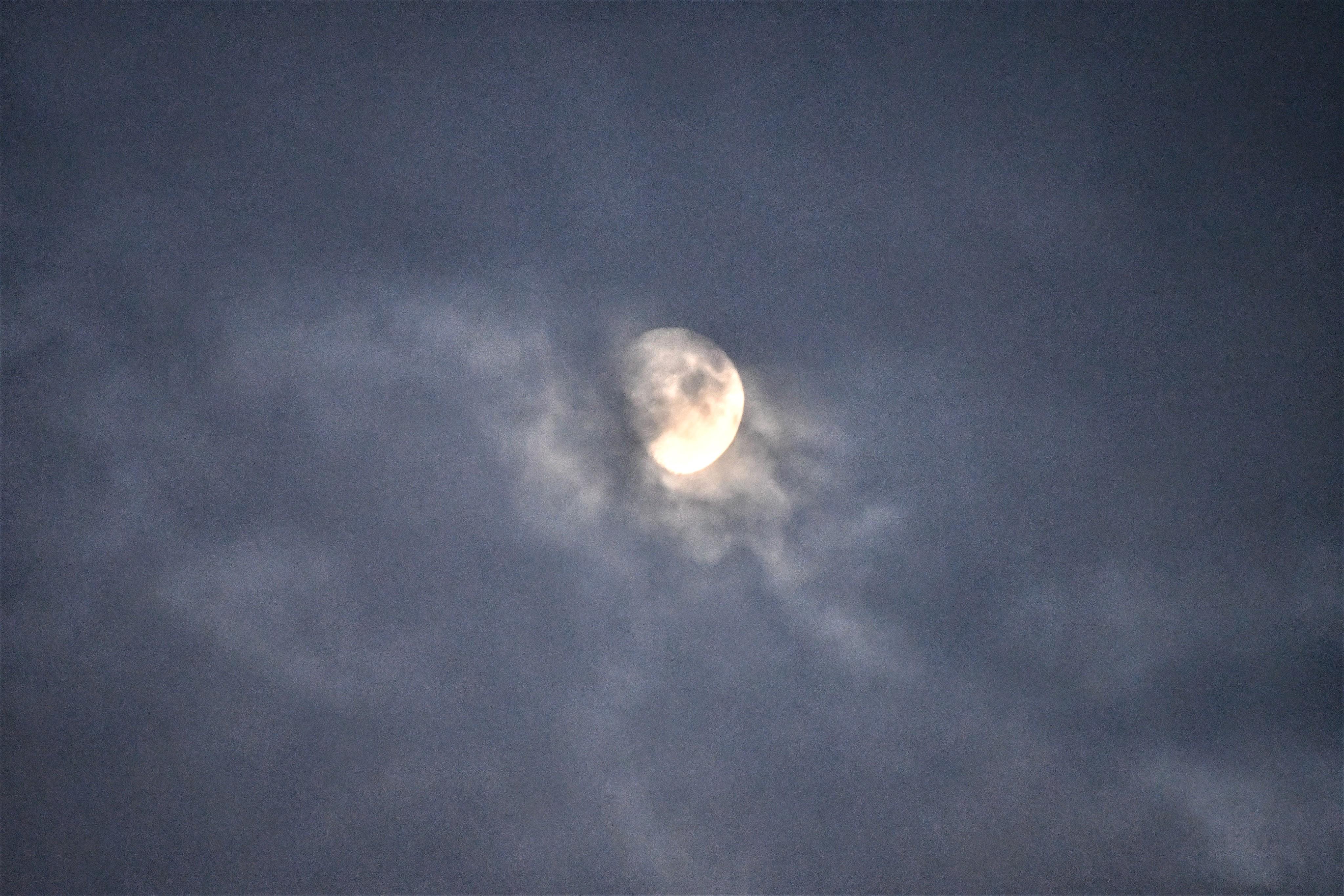 moon-10.08-4