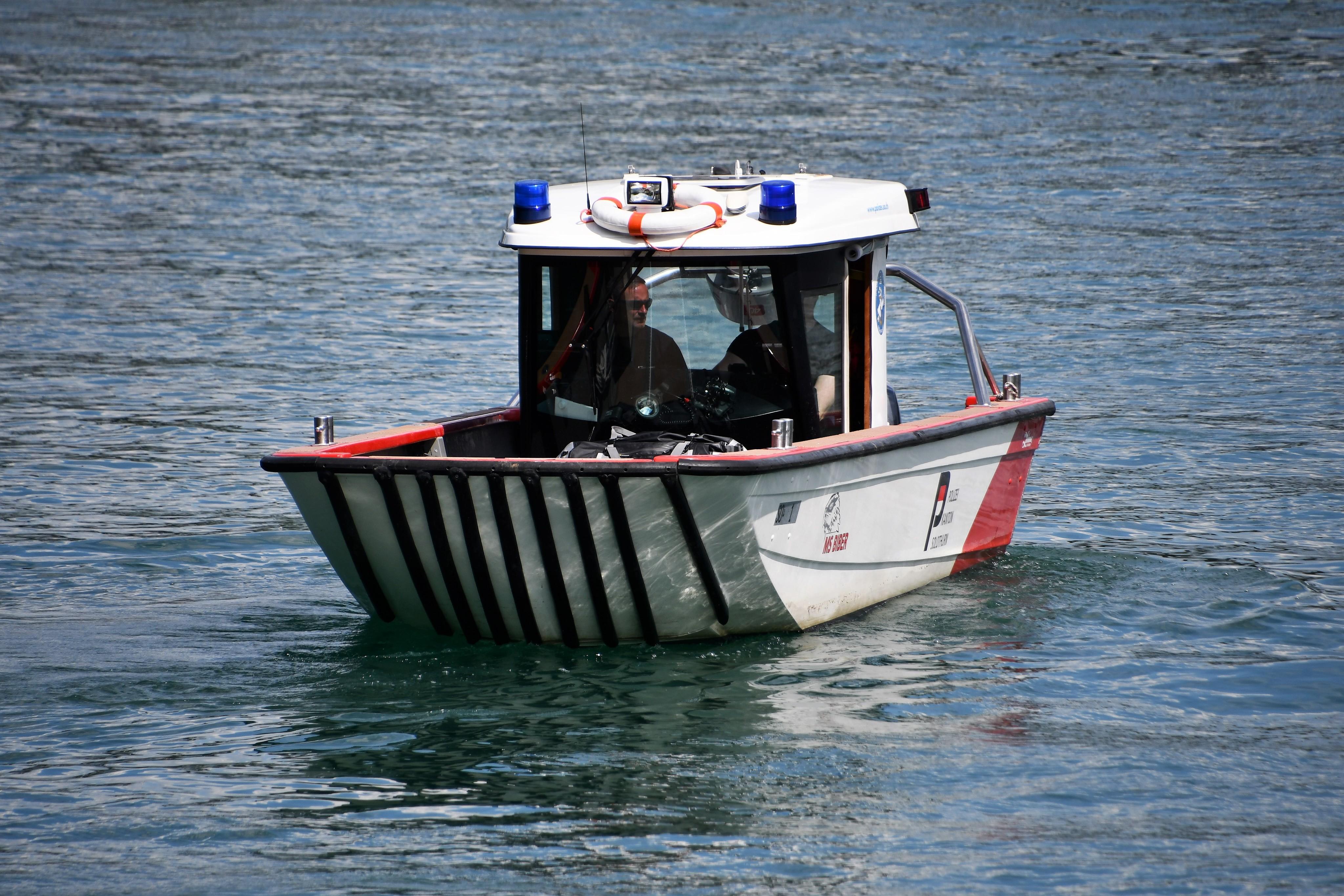 police-boat-03.08-2