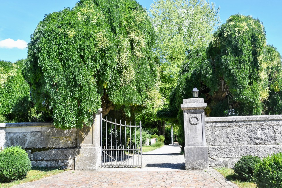 entrance-to-cemetery-feldbrunnen-15.08.2020
